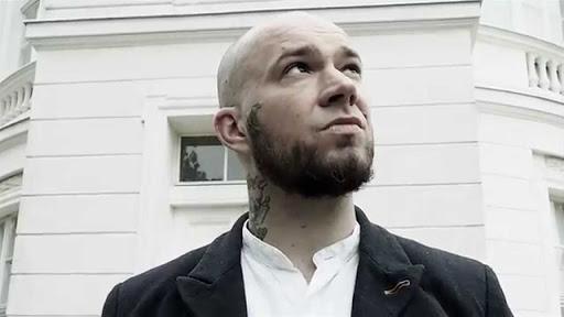 """В конце декабря Дима Бамберг, он же Schokk, выпустил альбом """"Голод""""."""
